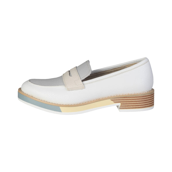 Ana Lublin White Women Moccasins