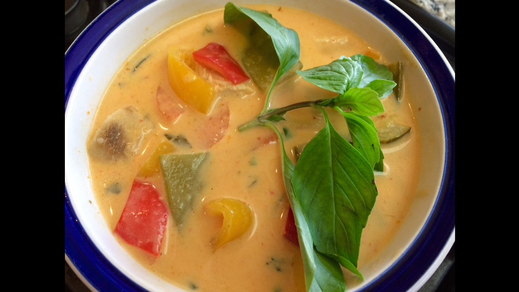 THAI CURRY (VEGETARIAN OR CHICKEN) with brown and red jasmine rice