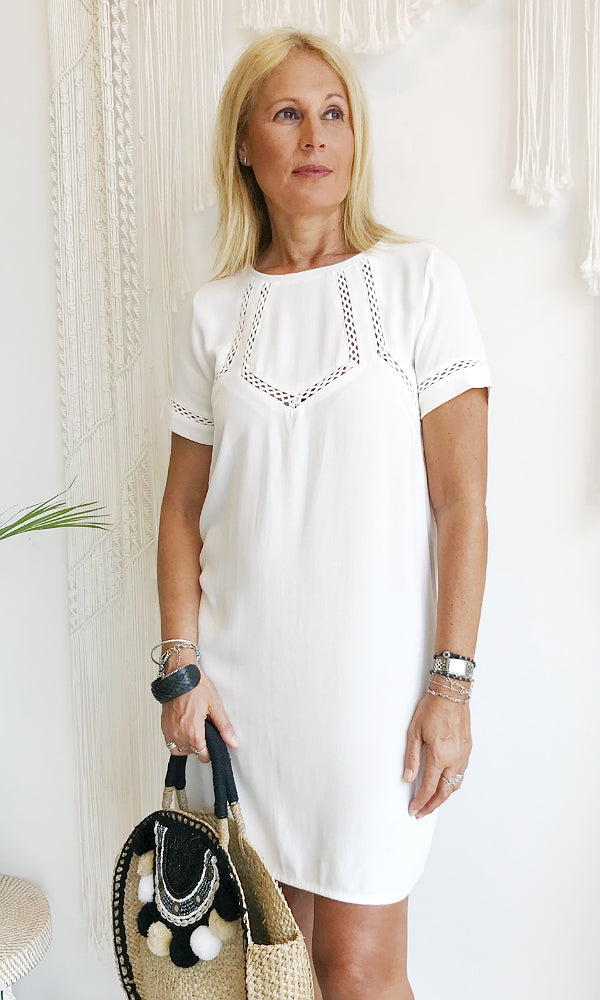 short sleeve lace detailed shift dress