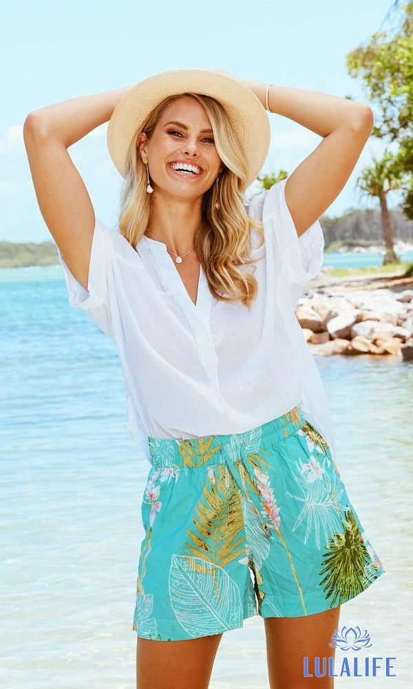 TRUDY- Tropical Palm Print Shorts