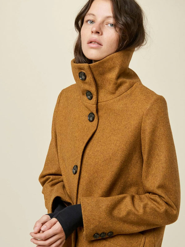 Sessun Chera Coat in Mapple