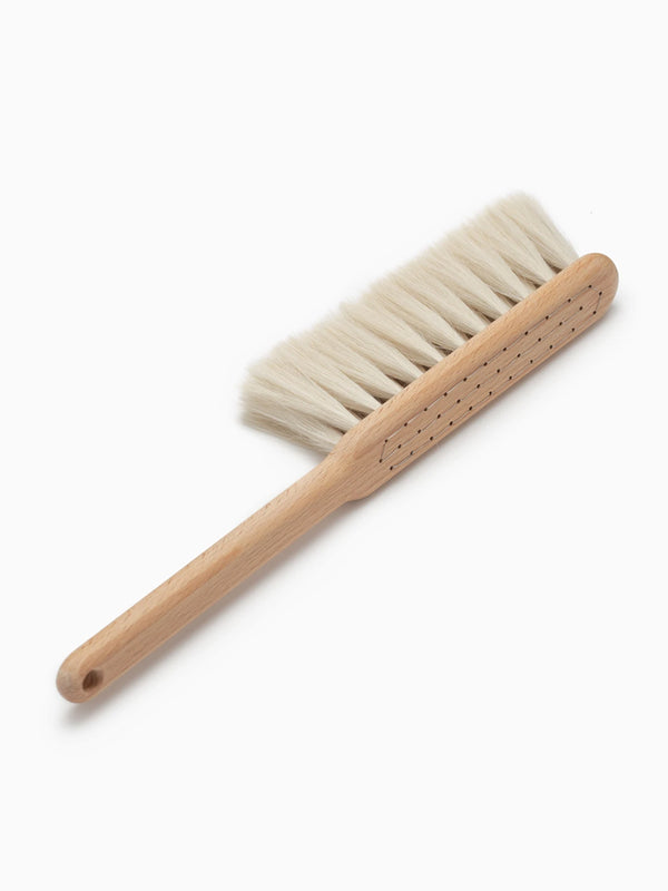 Iris Hantverk Dust Brush in Beech