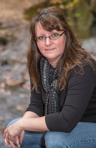 Military Move Author Carrie Daws
