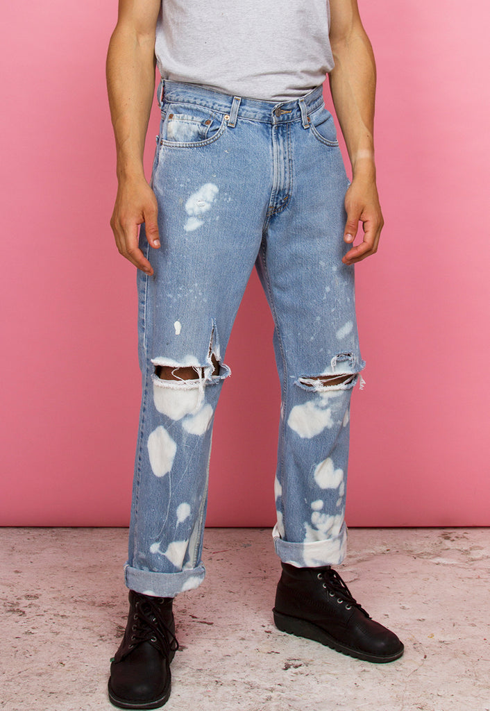 RIPPED & BLEACHED LEVI'S JEANS