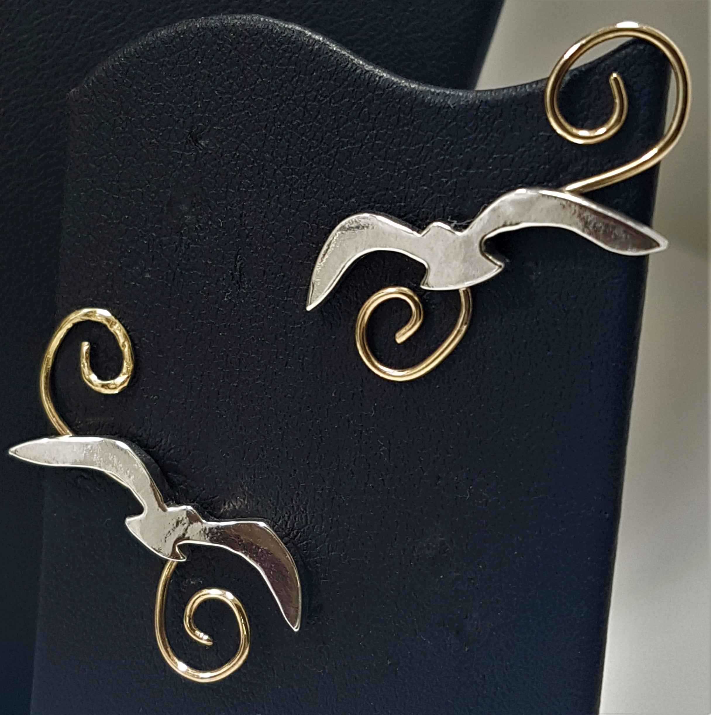 Seagull over Wave Stud Earrings - GOLD/SILVER