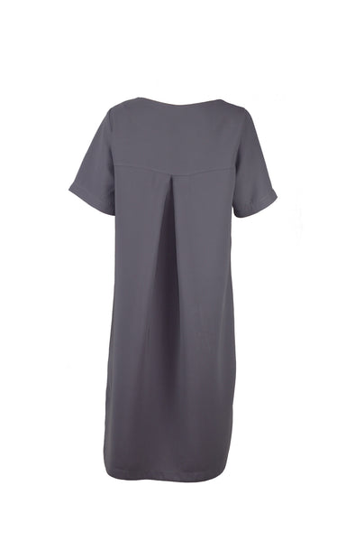 Grey dress with pleat in the back and curved hemline