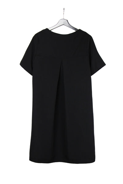 Black dress with pleat in the back and curved hemline in cupro