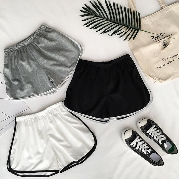 Casual shorts with stripe