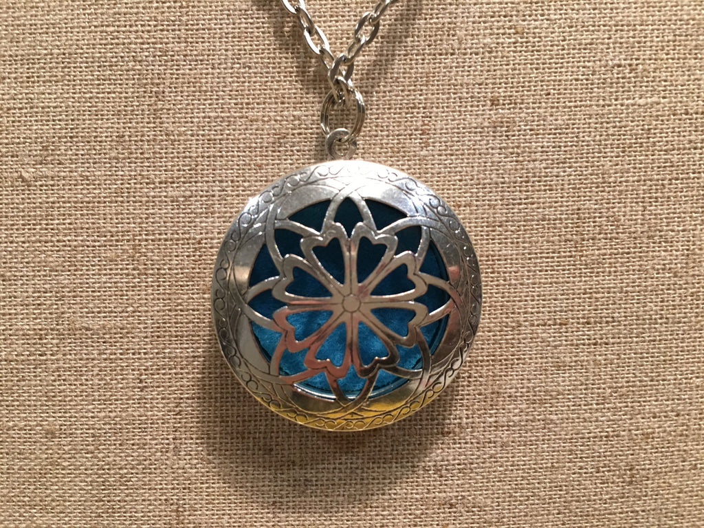 "Essential Oil Diffuser Aromatherapy Pendant, Necklace Jewlery Antique Silver Locket With 24"" Chain"