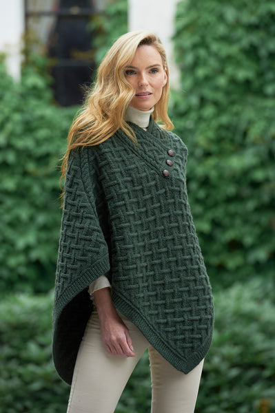 SUPER SOFT MERINO LATTICE STITCH ARAN CAPE