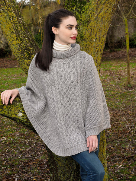 SUPER SOFT MERINO RIBBED ARAN CAPE