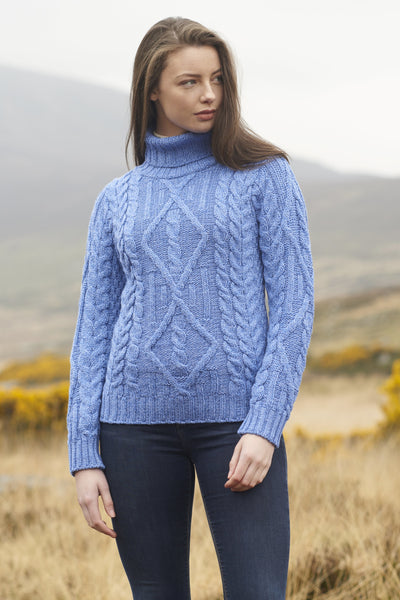 TRADITIONAL CABLE KNIT TURTLE NECK SWEATER