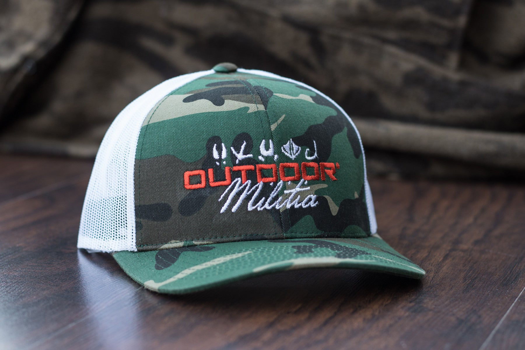Patriot Back™ | Classic Camo - White Back - Outdoor Militia®
