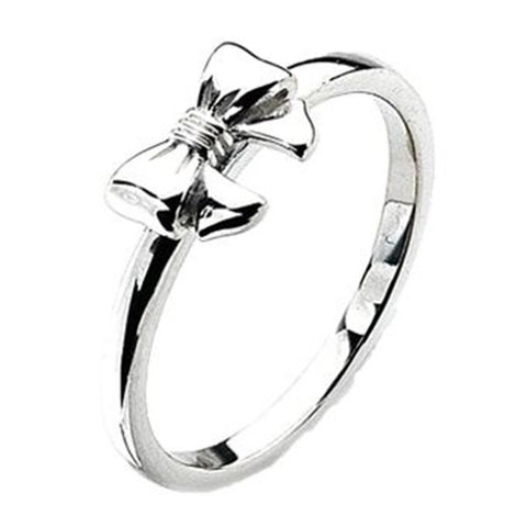 Virtue London Ring - Bow from the Rings collection at Argenteus Jewellery