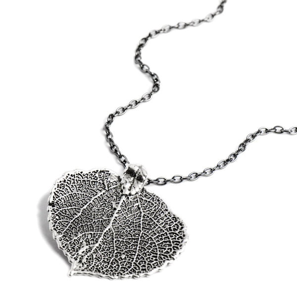 Platinum-plated Aspen Leaf Necklace from the Necklaces collection at Argenteus Jewellery