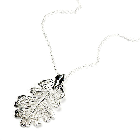 Lacey Oak Leaf Necklace Silver Plate from the Necklaces collection at Argenteus Jewellery