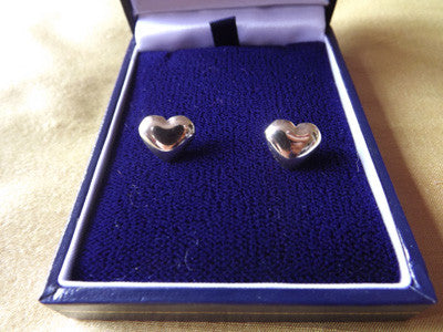 Vintage Style Small Gilt Heart Earrings