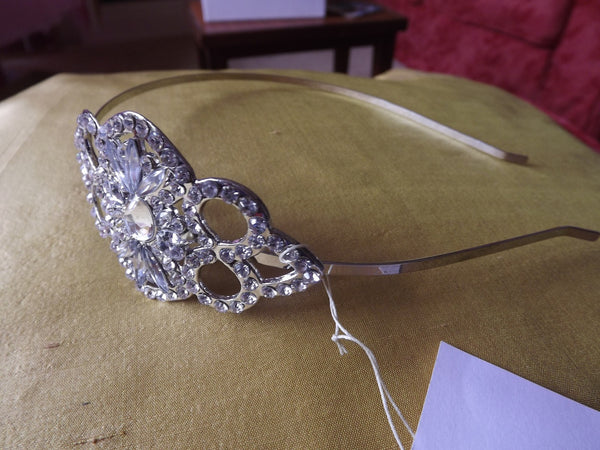 Vintage Style Sliver Tone Headband with Diamanté Motif