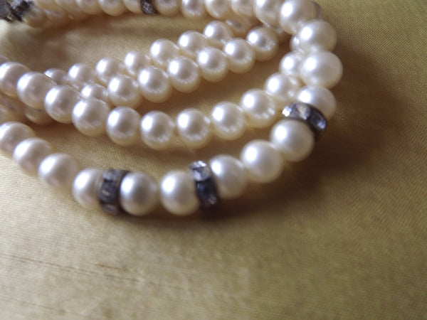 1950s 3 Strand Pearls Bracelet with Diamanté Clasp