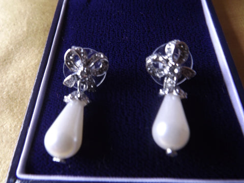 Vintage Style Pearl Drop and Diamanté Earrings