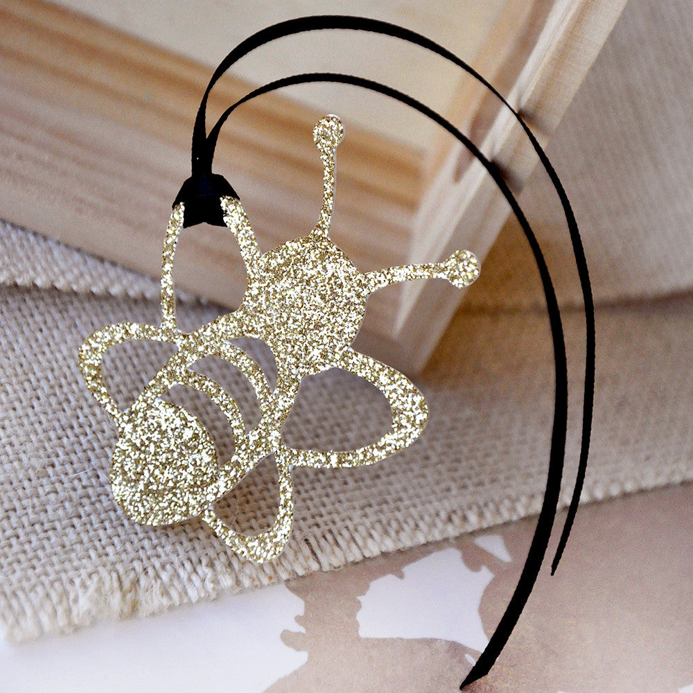 Bumble Bee Baby Shower Favor Tags.  Ships in 1-3 Business Days.  Set of 10.  Mommy to Bee.  What Will it Bee.  Sweet As Can Bee.