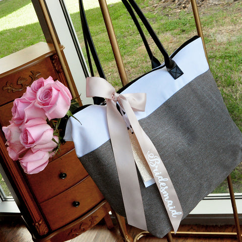 Bridesmaid Bag in Gray(Qty.1).  Bridesmaid Tote Bag With Zipper. Bridesmaid Gift Ideas.