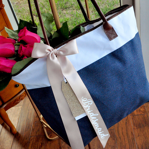 Bridesmaid Bag in Navy (Qty.1).  Bridesmaid Tote Bag With Zipper. Bridesmaid Gift Ideas. NRT.