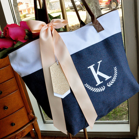 Bridesmaid Tote Personalized (QTY. 1). Bridesmaid Zipper Bag. Monogram Tote Bag.