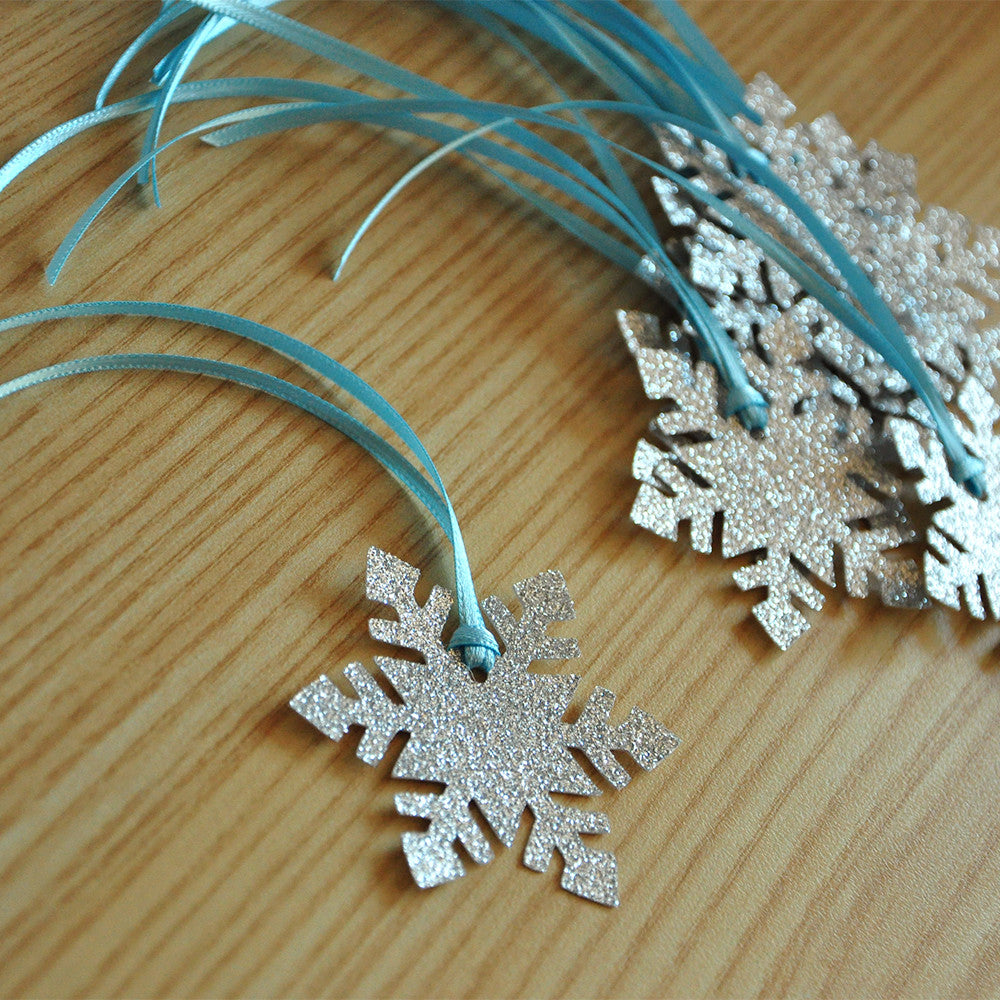 Frozen Birthday Party Decoration Party Favor Tags 10CT. Ships in 1-3 Business Days. Snowflake Gift Tags.