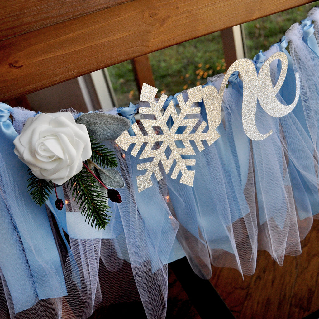 Winter Onederland Banner for Frozen Birthday.  ONE High Chair Banner in Baby Blue an Silver. WOHCB.