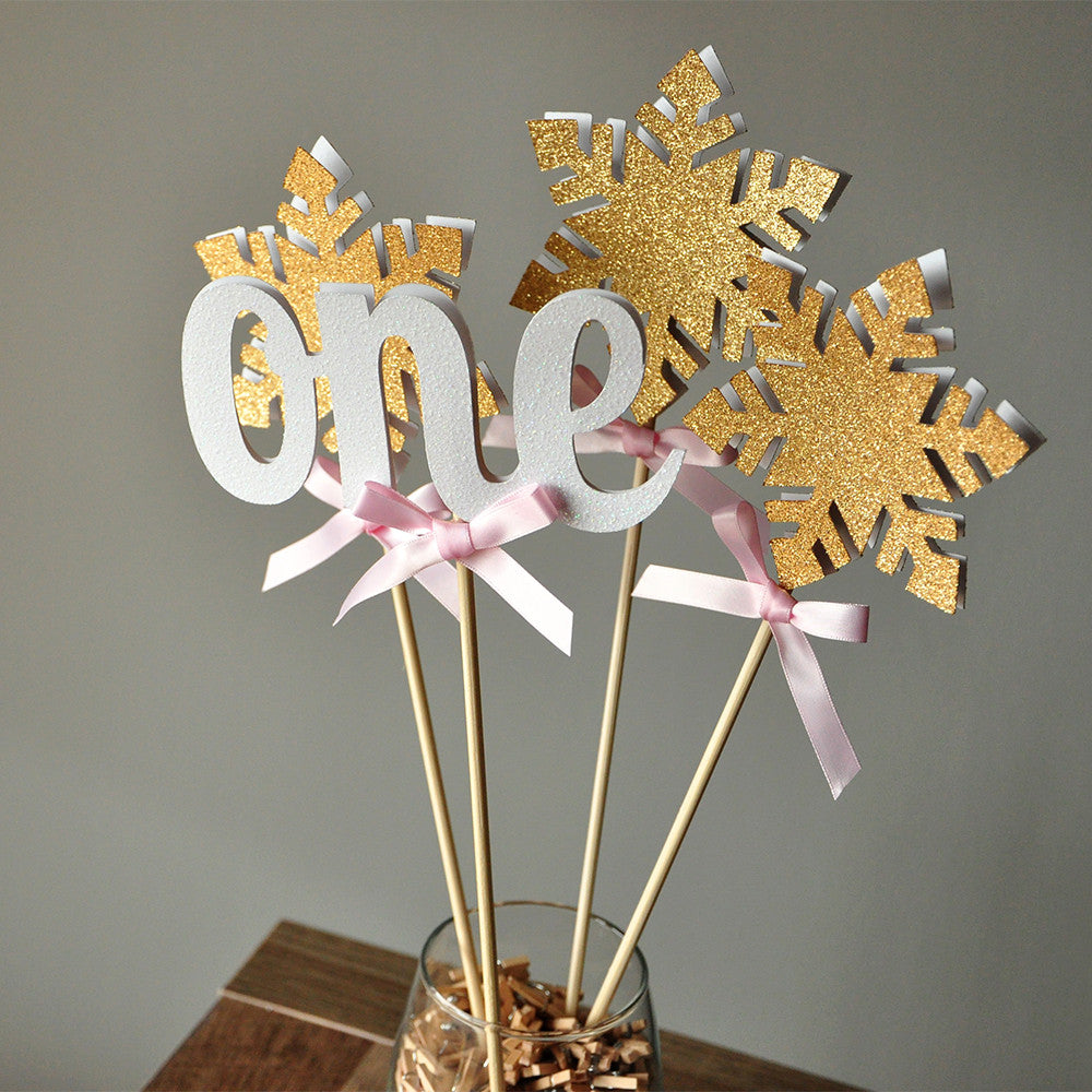 Winter Onederland Centerpiece 4CT. Ships in 1-3 Business Days. 1st Birthday Girl Decoration.