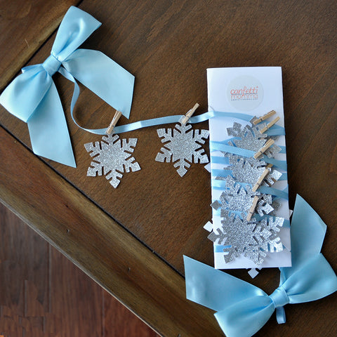 Frozen Birthday Party Decoration.  Ships in 1-3 Business Days.  Snowflake Banner.  Snowflake Garland.