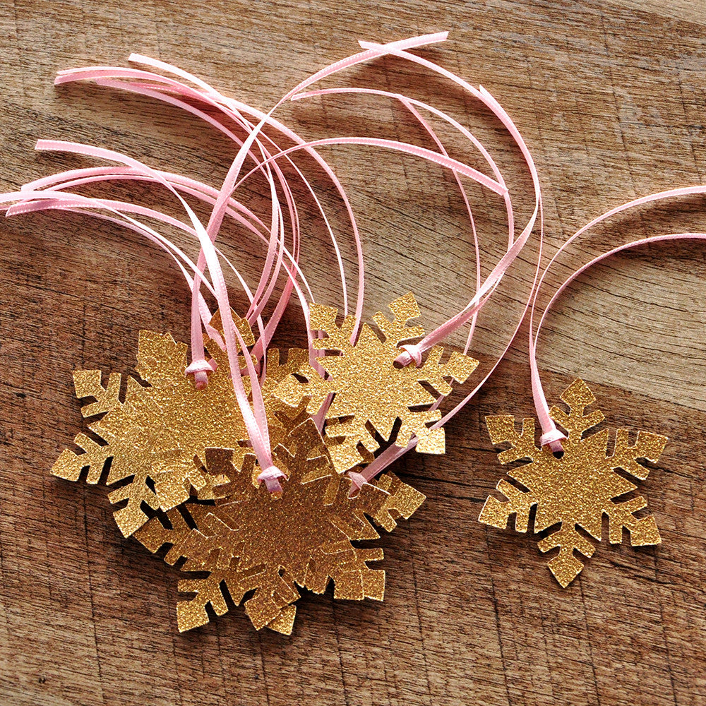 Winter Onederland Party Favor Tags 10CT.   Ships in 1-3 Business Days. Snowflake Giftt Tags.