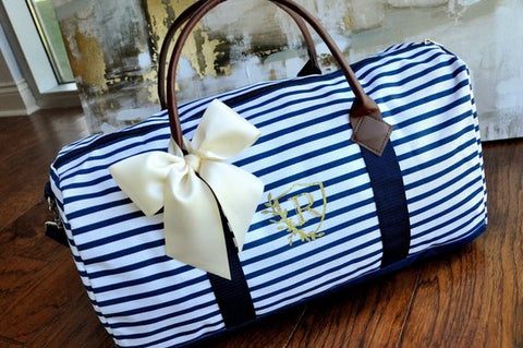 Personalize Gift for Bridesmaids. Weekender Bag Women. Duffel Bag Women. Bridesmaid Gift. N20W.