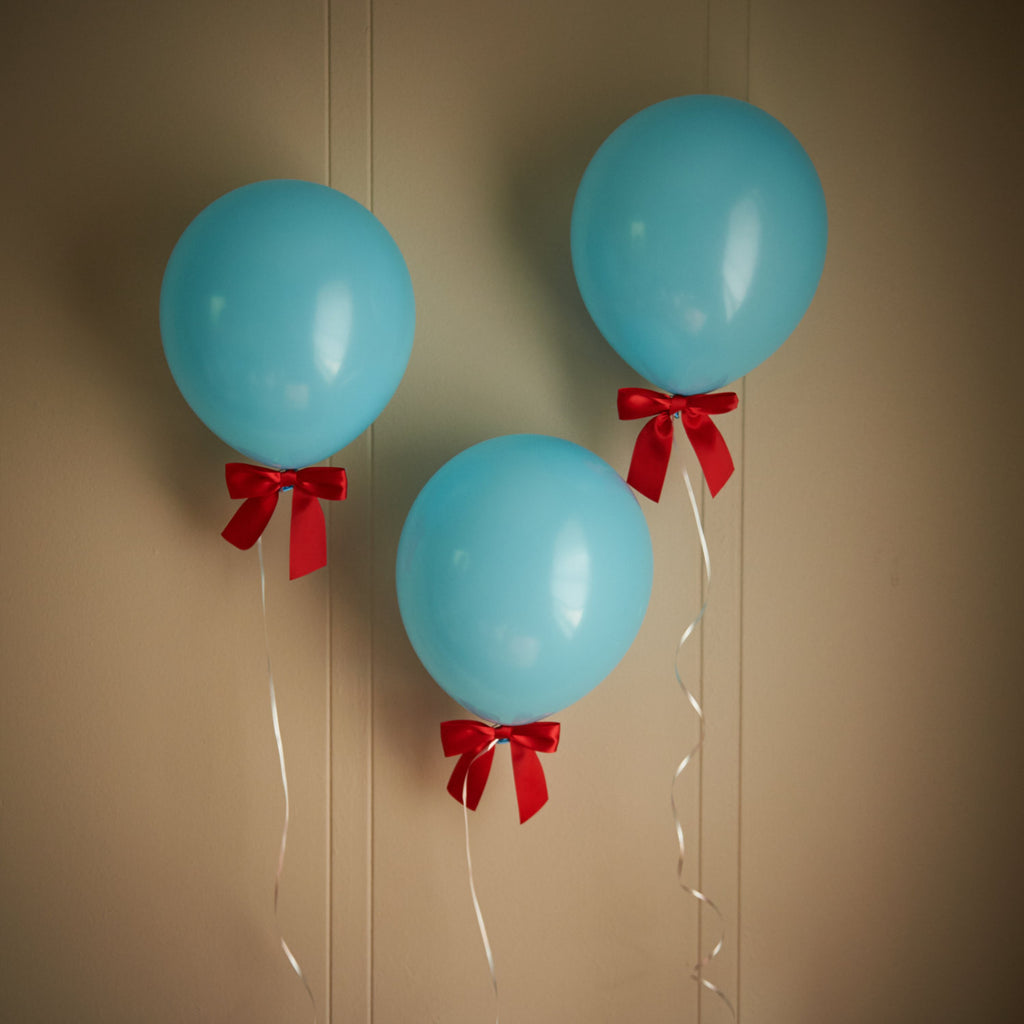 Airplane Birthday Party Decoration.  Ships in 1-3 Business Days.  Baby Blue Balloons with Red Bows + Curling Ribbon 8CT.