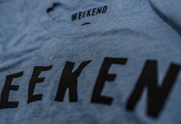 Weekend Bear Tee blue close up