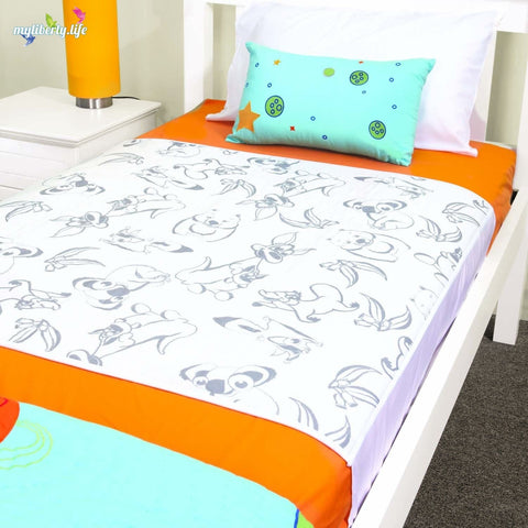 Bed wetting solution: Conni Kids Max Bed Pad with Waterproof Barrier and Tuck-ins kids print
