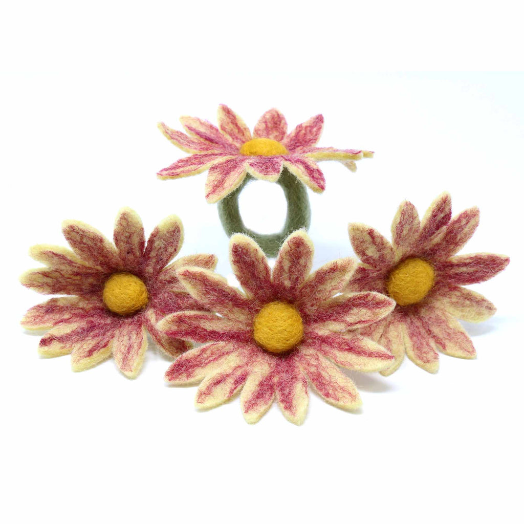 Daisy Napkin Rings - Set of Four Magenta - Global Groove (T)