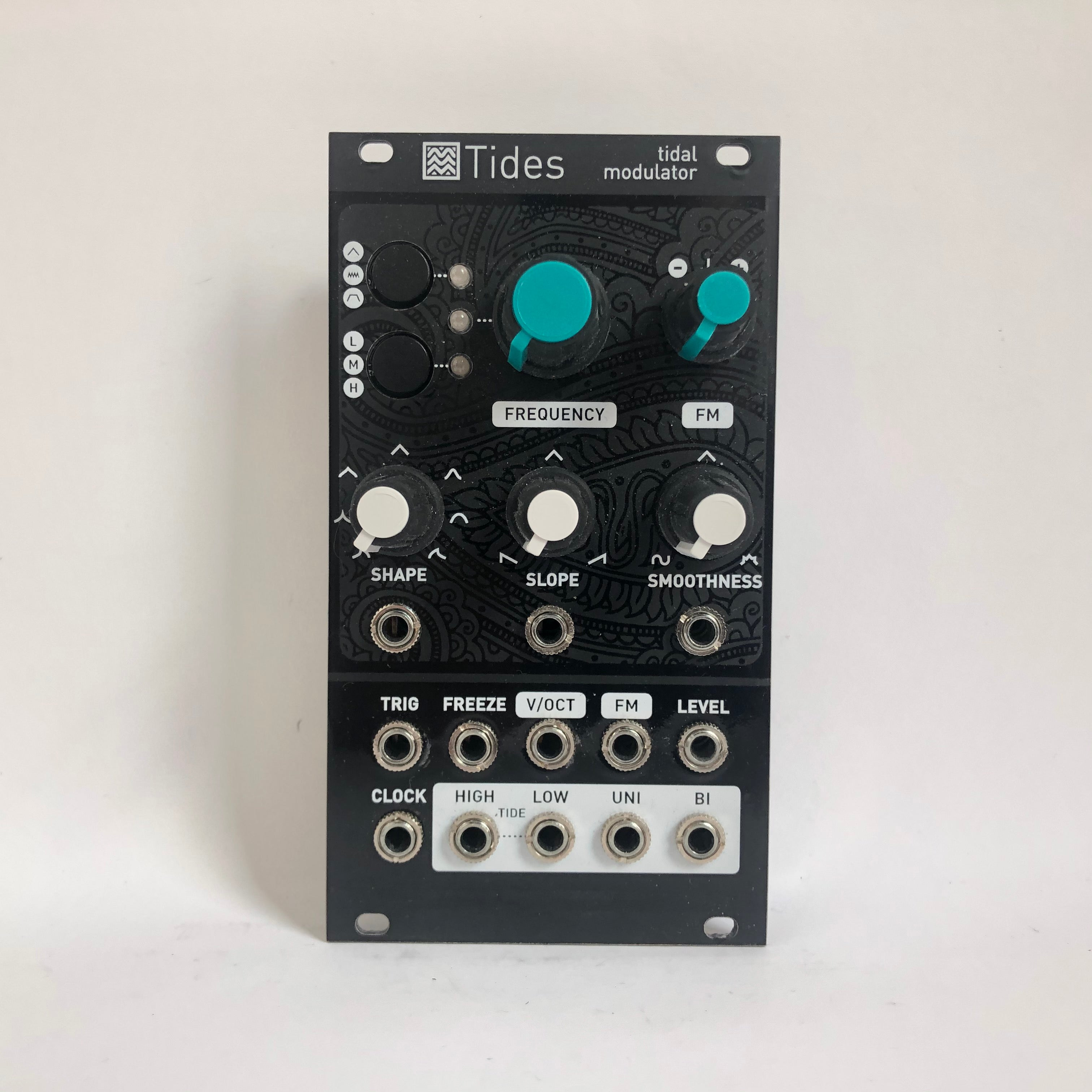 Mutable Instruments Tides v1 with Magpie Modular Faceplate