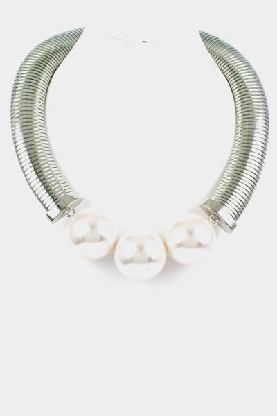 Pearl large necklace