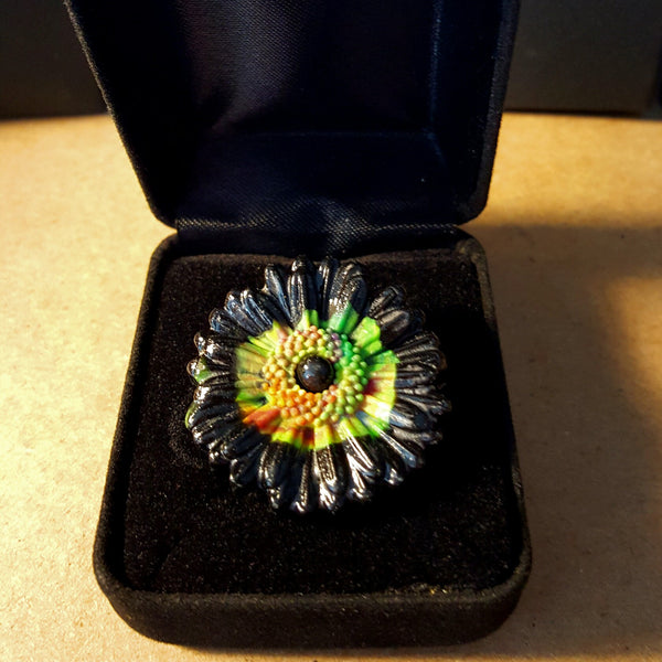 Black and Green Flower Ring