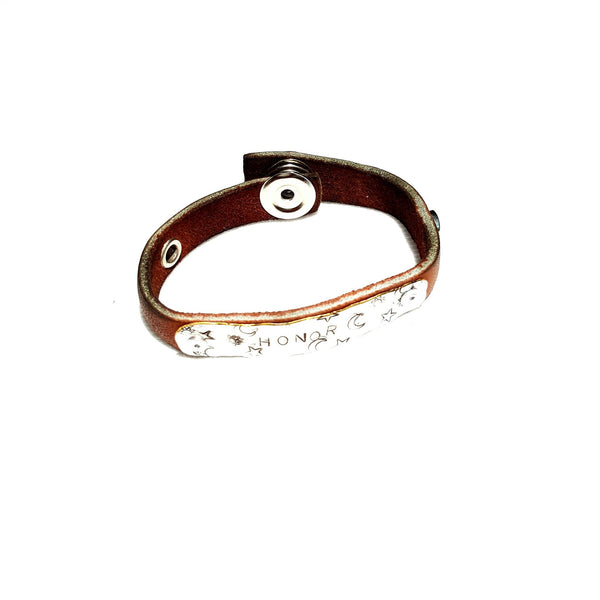 Handmade Leather Bracelet with Honor Stamped on Silver Metal - Bracelet - 1