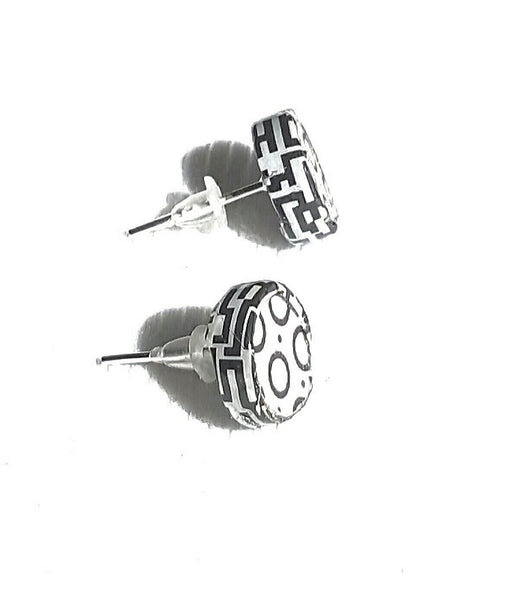 Black and White Graphic Stud Earrings - Earrings - 3