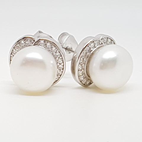 Sterling Silver Pearl freshwater cultured Ladys Earring 33651