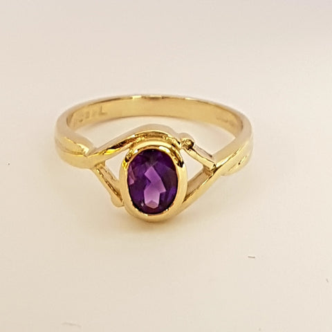 9ct Yellow Gold Amethyst Ladys Ring 33025