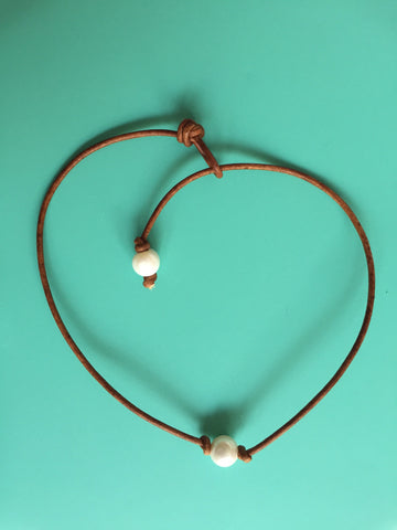 Single White Pearl Knotted Necklace