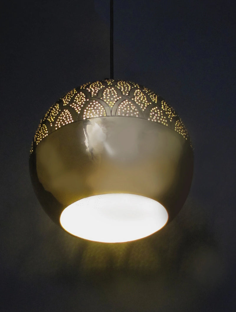 Dounia Home Nur Pendant Light brass lit