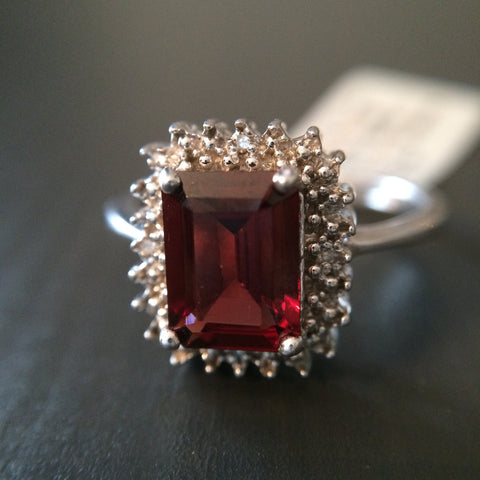 Garnet 1.65 ct Stone Ring - LittleGemsUSA - 1