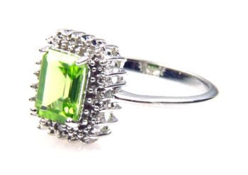 Peridot 1.65 ct Stone Ring - Size 7 - LittleGemsUSA - 2