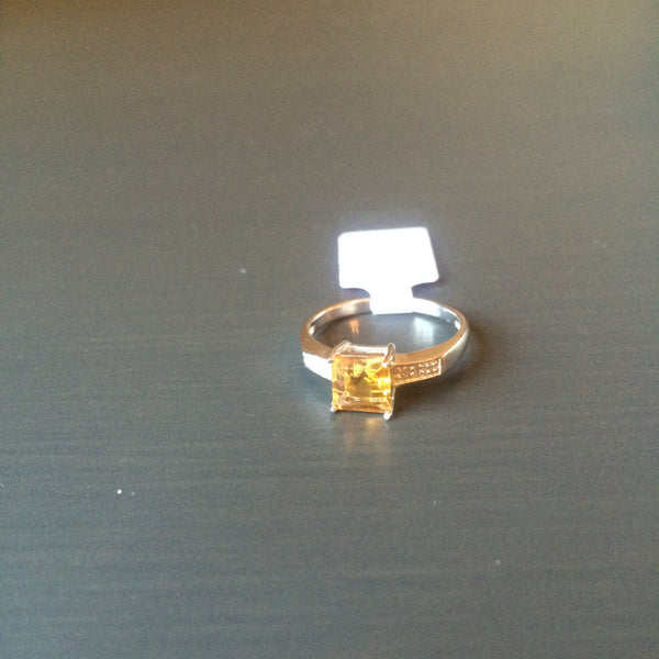 Simple Set Square Citrine Ring - Size 7 - LittleGemsUSA - 2